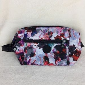Kipling Aiden Medium toiletry bag water color EUC